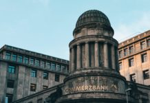 Německá Commerzbank se chystá masivně propouštět